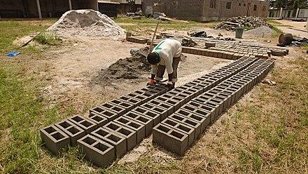 440px-Beton_blocks