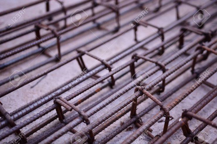 68924226-barres-d-acier-les-armatures-en-beton-avec-tige-de-fil-des-barres-de-fer-pour-house-construction-