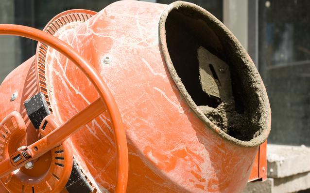 betonniere-sur-chantier-main